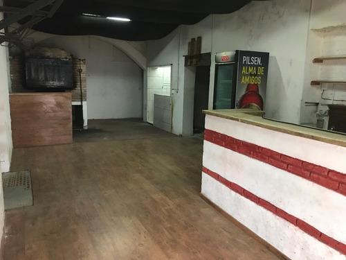 alquiler local pizzeria  piccioli, curva de maroñas.