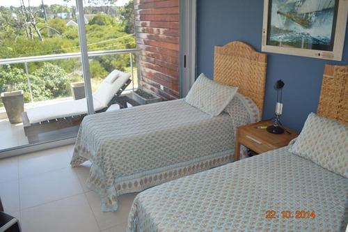 alquiler playa brava, primera linea, 3 dormit en suite, febrero