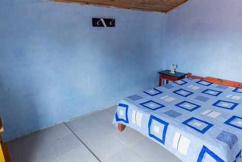 alquilo alojamiento casa-cabaña centrica, 4 cuadras la playa