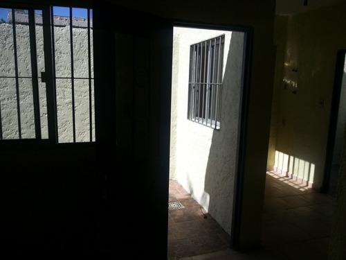 alquilo apto. 1 dormitorio muy buen estado y entorno