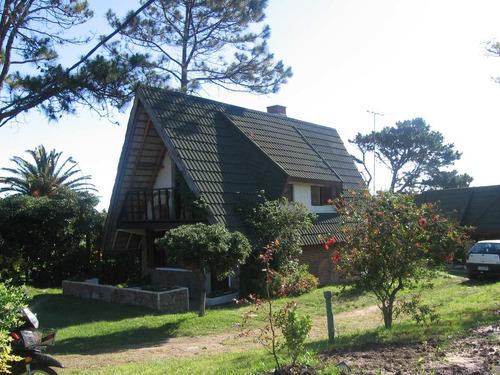 alquilo  casa para 10 personas en la floresta 1200 usd