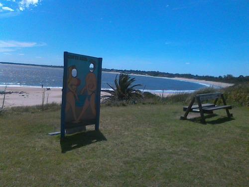 alquilo costa azul a dos cuadras y media de la playa