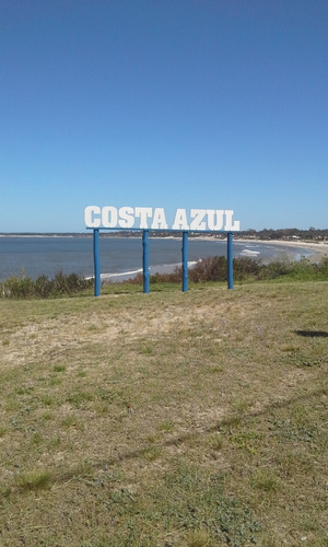 alquilo en costa azul a 1 cuadra de playa,club y bus
