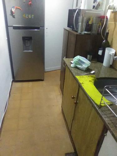 alquilo / traspaso excelente apartamento en aguada