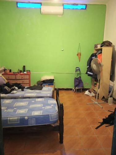 amplia casa de tres dormitorios. zona antel arena