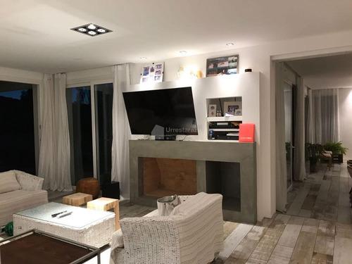amplia casa | excelente estado | barrio privado