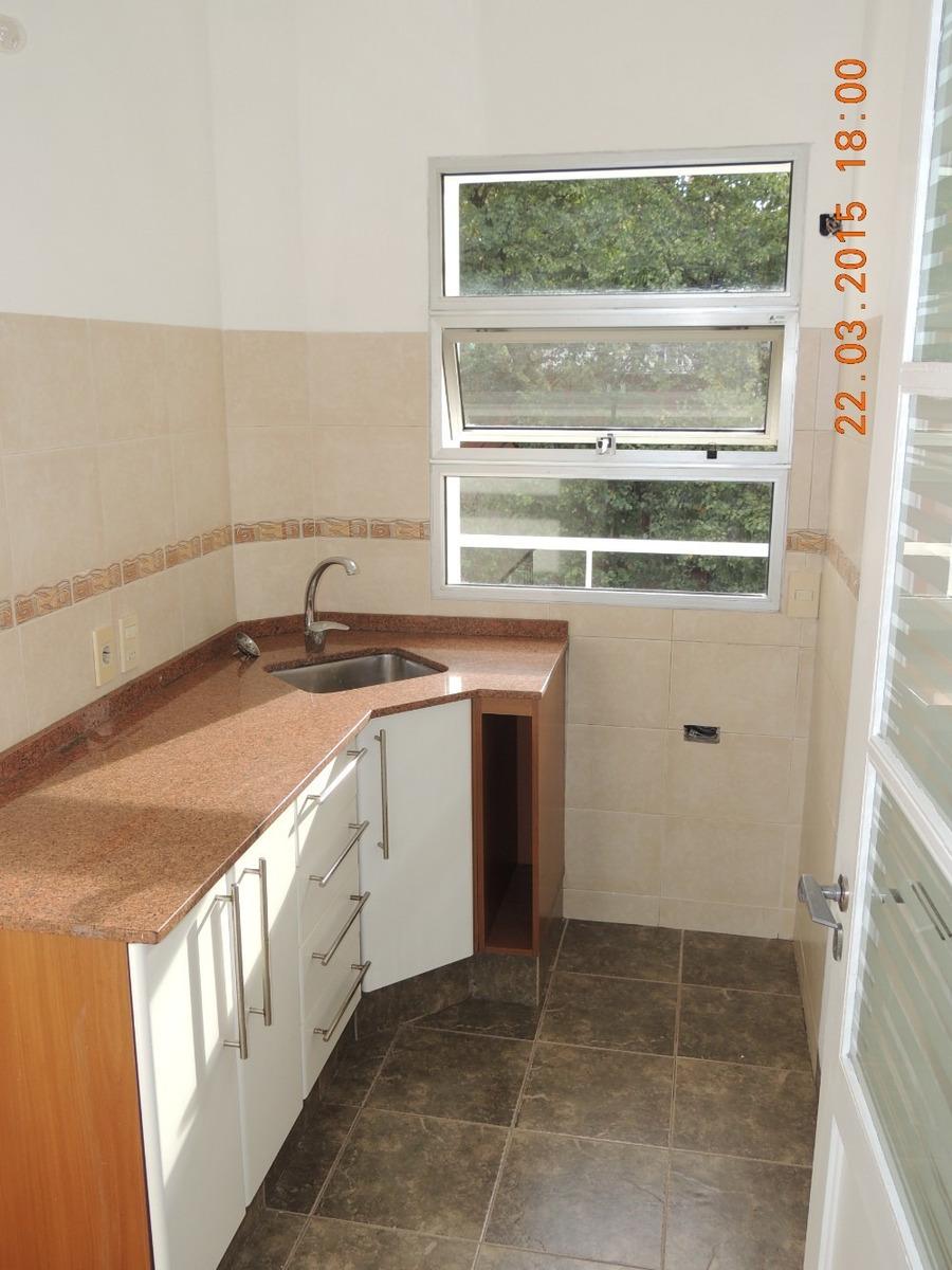 amplio apartamento de 1 dormitorio al frente