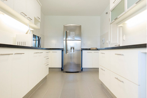 amplio apto c/parrillero - 2 garajes - 2 dorm en suite