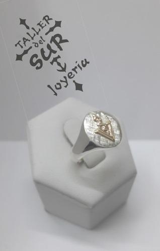 anillo en plata y oro veterinario
