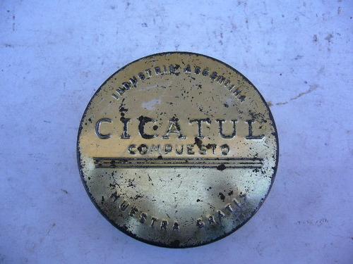 antigua caja de lata cicatul compuesto