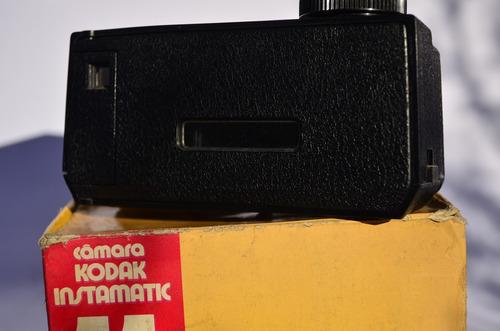 antigua cámara de fotos - kodak instamatic 11 - vintage