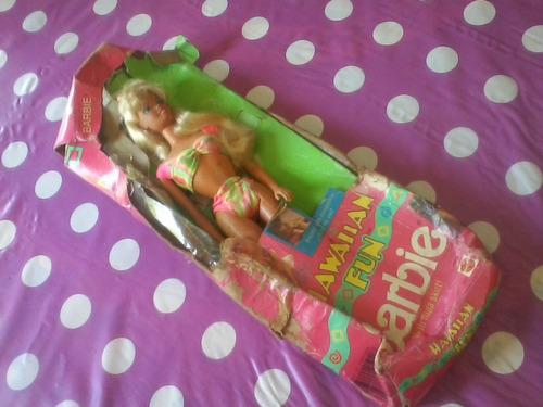 antigua muñeca barbie mattel hawaian c/certificado orig.