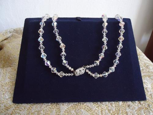 antiguo  collar  de  cristal  de  roca.