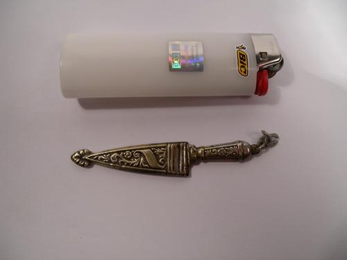 antiguo dije colgante cuchillo criollo metal baño plata 7cm