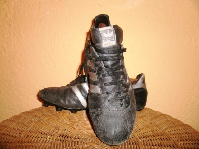 Antiguos Zapatos De Fútbol De Cuero adidas. -   800 372e04eefb9aa