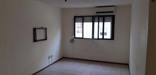 apartamento 2 dormitorios ciudad vieja al frente