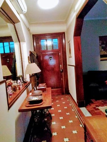 apartamento 2 dormitorios impecable, para entrar!!!!