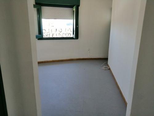 apartamento 2 piso 2 dorm.garantia porto, anda o contaduría.