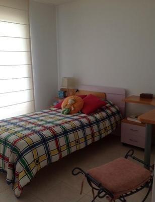 apartamento 3 dormitorios a pasos del shopping.