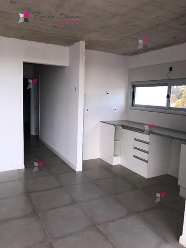 apartamento a estrenar , 2 dormitorios con garaje y parrillero - ref: 8224