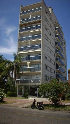 apartamento a la venta en centro de piriapolis