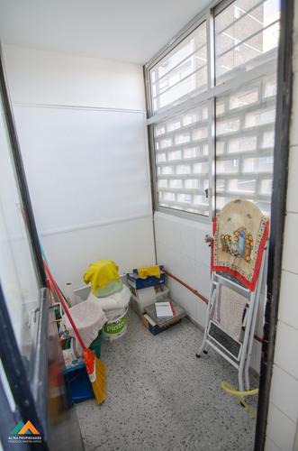 apartamento al frente, excelente estado de conservación