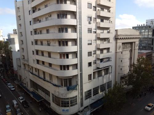apartamento amplio... con vista panoramica a 18 de julio!