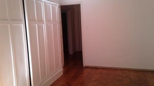 apartamento céntrico de 3 dormitorios y 2 baños con placares