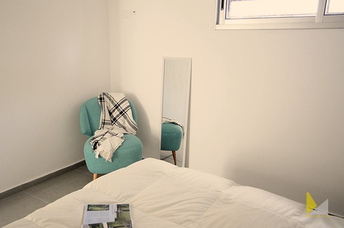 apartamento con  azotea con parrillero a estrenar