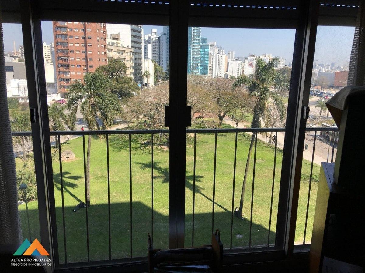 apartamento con hermosas vistas a la plaza de la bandera