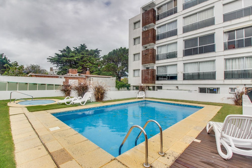 apartamento con piscina compartida the point i