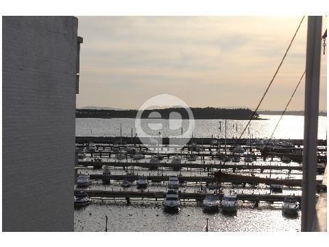 apartamento con vista al puerto.