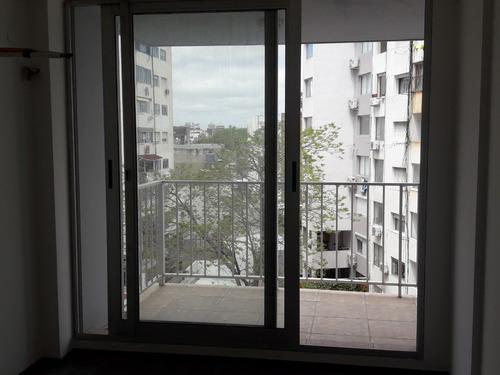 apartamento de 1 dormitorio en pocitos, con garaje y terraza