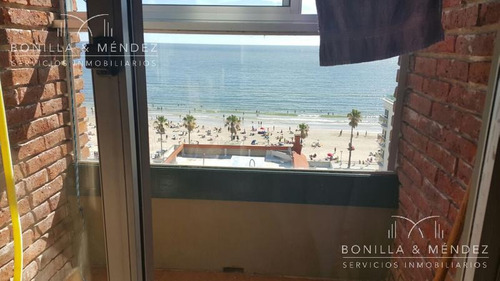 apartamento de 2 dormitorios y 2 baños con hermosas vistas a la playa y cerro san antonio