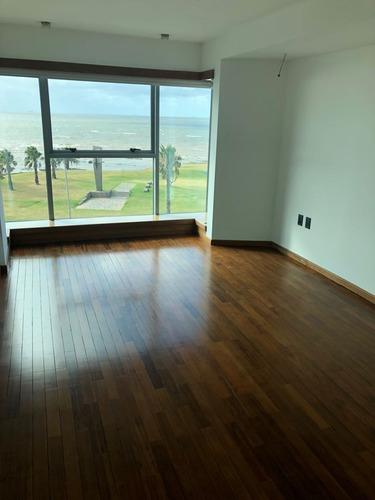 apartamento de 3 dormitorios cerca de la rambla