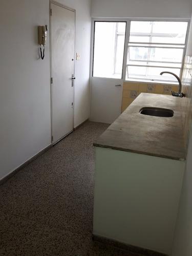 apartamento de 3 dormitorios y 2 baños con garage en buceo