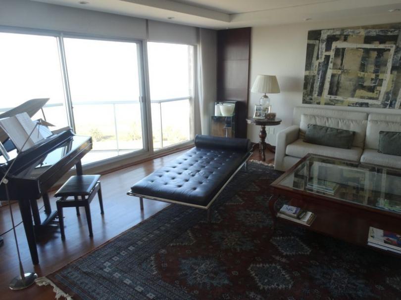 apartamento de categoria frente al mar!!!