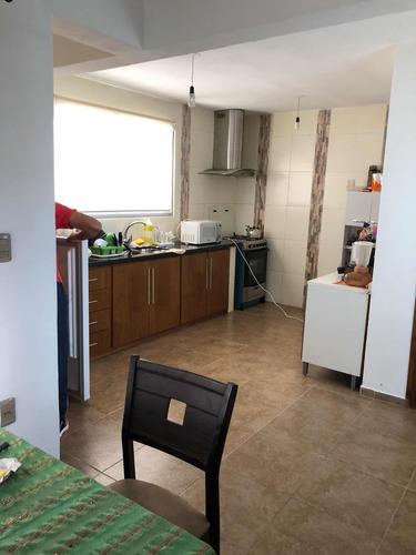 apartamento de tres dormitorios, barrio ferrocarril