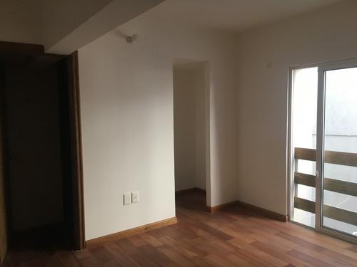 apartamento de un dormitorio con patio!