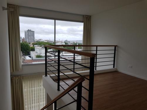 apartamento duplex cochera luminoso balcón estrena precioso