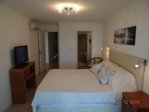 apartamento en casino tower de 2 dormitorios y cochera