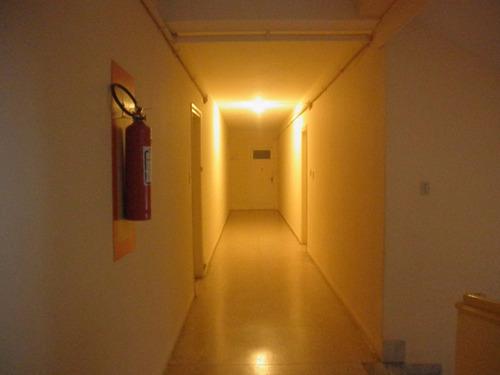 apartamento en centro de piriápolis sobre avenida