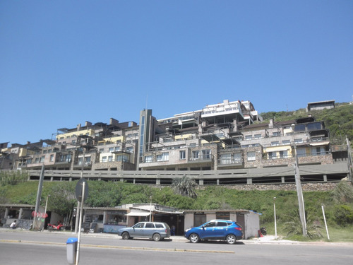 apartamento en cerro san antonio frente al mar