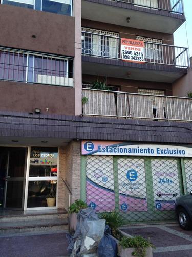 apartamento en excelente estado sobre av.italia