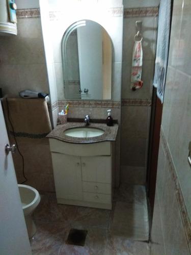 apartamento en excelentes condiciones, muy seguro y cómodo.