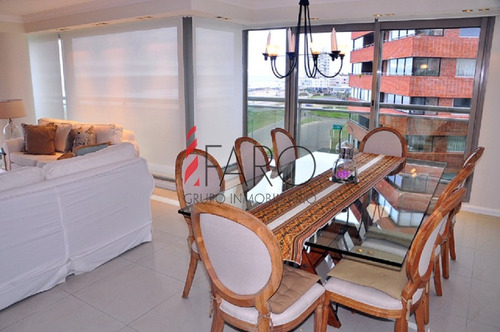 apartamento en la brava 4 dormitorios con terraza y garage - ref: 36090
