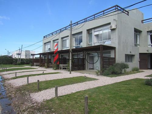 apartamento en manantiales 1 dormitorios 1 baños con azotea con parrillero - ref: 35910