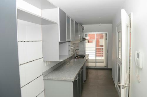 apartamento en pocitos, 3 dorm + serv., terraza-parrillero!