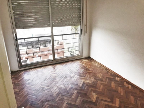 apartamento en venta de 3 dormitorios en la figurita