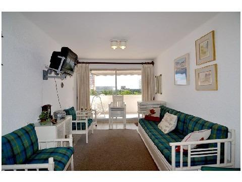 apartamento en venta de 3 dormitorios en peninsula